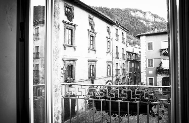 Tagliacozzo Vista Finestra Small